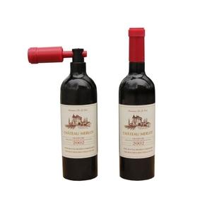 פותחן לבקבוק יין בצורת בקבוק יין