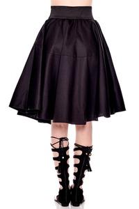 חצאית מבד יציב