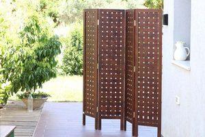 פרגוד חום מעץ -מרובעים