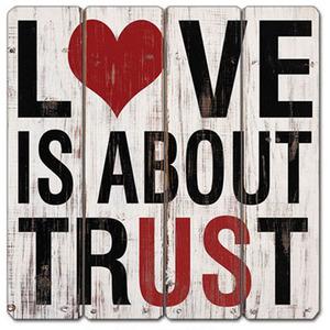 שלט עץ LOVE IS ABOUT