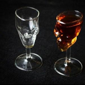 כוס שתייה בצורת גולגולת