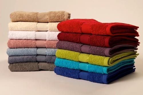 מגבת אמבט עם רקמת שם