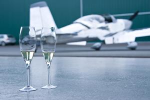 טיסה רומנטית זוגית וארוחה זוגית במסעדה