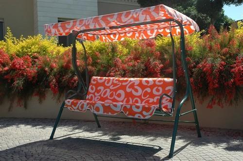 נדנדה טופרוסול 3 מושבים דגם אפריים מתצוגה